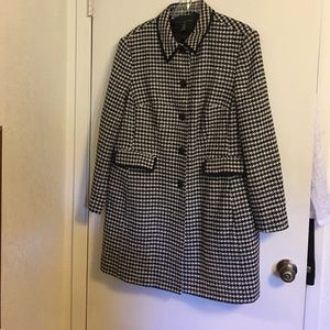 Apostrophe Houndstooth Checked Coat 18